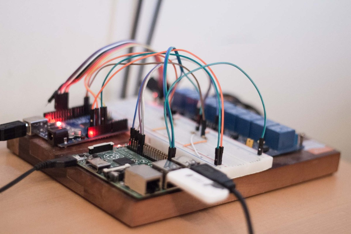 Room automation with Raspberry Pi and Arduino