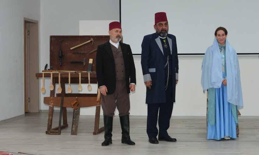 """TÜGVA'dan Bulancak'ta """"Usta"""" tiyatrosu"""