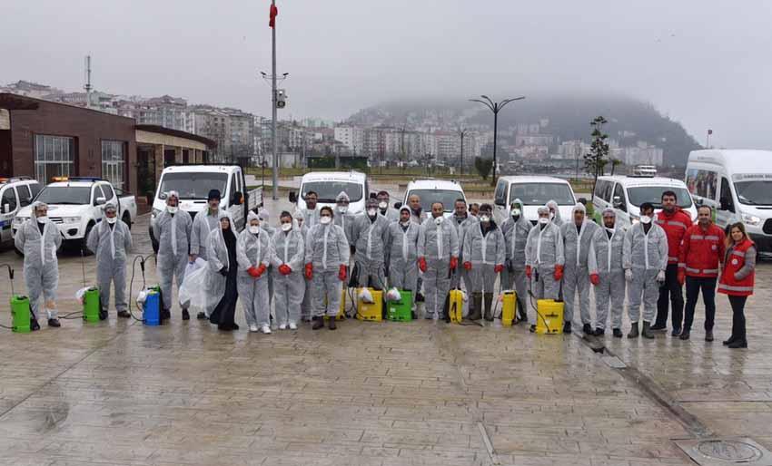 Giresun Belediyesi dezenfekte çalışmalarını yoğunlaştırdı.