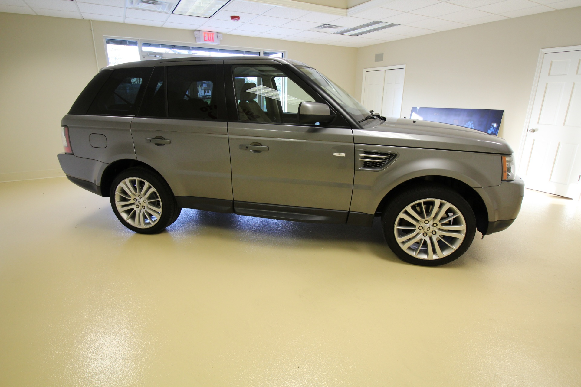 2010 Land Rover Range Rover Sport HSE LUX LUXURY VERY CLEAN LOW