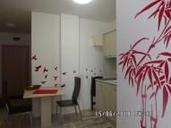 Wnętrze apartamentu czerwonego - widok 5