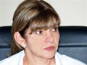 Нона Караджова е родена на 28 август 1960 г. Тя е бивш експерт в М-вото на околната среда и водите (МОСВ). Беше шеф на дирекция
