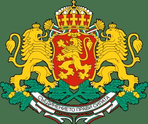 Гербът на България е изправен златен коронован лъв на тъмночервено поле, обърнат на дясна хералдическа страна, поставен върху щит. От двете му страни има изобразени лъвове-щитодръжци, а над него — царска корона. Под щита има постамент от дъбови клонки със златни плодове и девизна лента с трикольорен кант, на която има изписан националния девиз Съединението прави силата. През 1947 към знамето (бяло, зелено, червено), в левия горен ъгъл на бялото поле, се добавя гербът на Народна Република България, който остава до 27 ноември 1990. На тази дата текстът в конституцията е променен и гербът е премахнат, а цветовете на триколъора се запазват - бяло, зелено, червено.