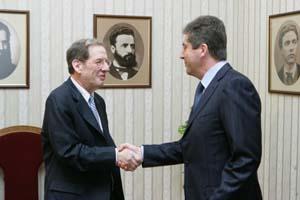 4 декември 2009 г. Президентът Георги Първанов се срещна с Ричард Морнингстар, специален пратеник на на САЩ по въпросите на енергетиката за Евразия. автор: Снимка: В. Николов, Президентство