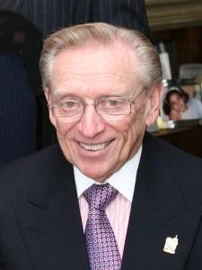 Лари Силвърстейн е роден на 30 май 1931 г. в Бруклин, Ню Йорк. Заедно с баща си Хари основават Silverstein Properties през 1957 г. и купуват първата си сграда в Манхатан. През 1978 притежва вече пет билдинга на Fifth Avenue, като и сгради на Wall Street и shopping center в Stamford, Connecticut.