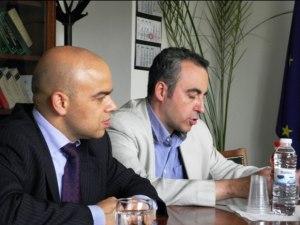 Генералните консули на Р България, в Чикаго - Симеон Стоилов (ляво) и в Лос Анджелис - Марин Димитров.