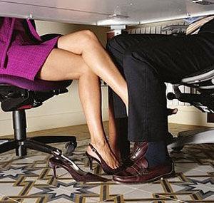 Сексът в службата е желан от 85 на сто от американците, установи анкета, публикувана в списание