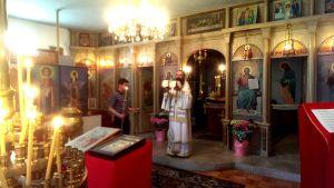 Епископ Даниилводи Църковната служба на Гергьовден за Храмовия празник на БПЦ