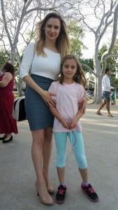 Петя Алекса с една от нейните почитателки в Лос Анжелис
