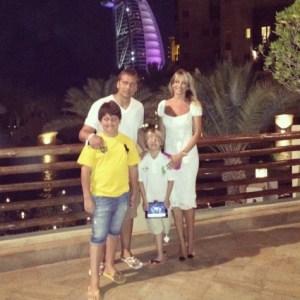 Стилиян Петров е щастливо женен за Паулина Петрова, с която имат 2 деца – Стилиян Младши и Кристиян.