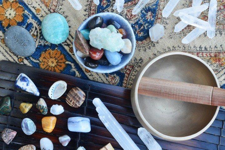 Влияние на камъните и цветовете според Аюрведа