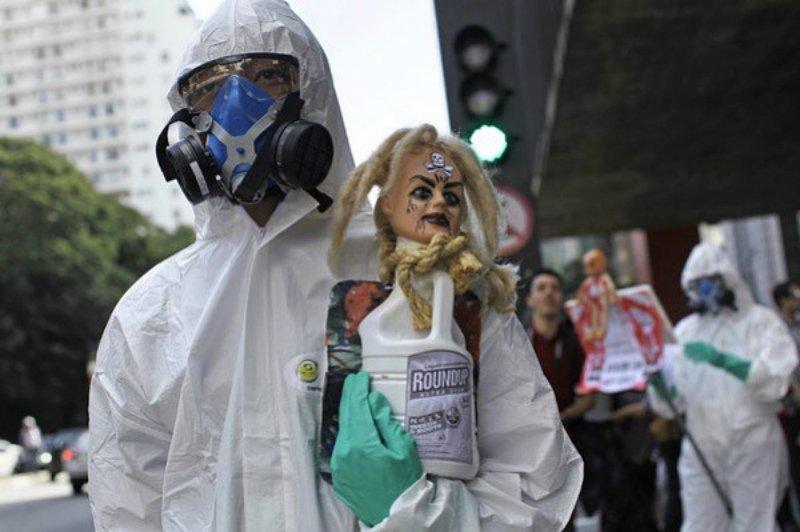 """Най-опасните химикали създавани до сега на планетата – """"Раундъп"""" на """"Монсанто"""""""