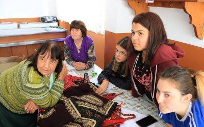 Песните на село Дряново – от баба на внучка. Мисията продължава.