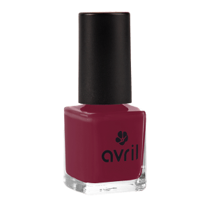 vernis-a-ongles-bourgogne-vernis-rouge-tres-fonce