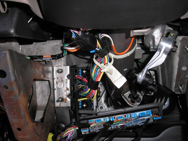 2005 CHEVY TRUCK METAL KNEE BOLSTER REMOVED?resize=640%2C479 wiring diagram for 2004 chevy silverado 2500 the wiring diagram 2005 chevy silverado 2500hd wiring diagram at gsmx.co