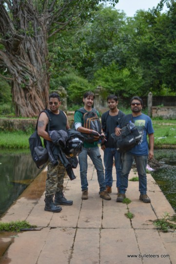 Bulleteers ride to Dev Kho with Taj Royals, Agra. Its a small pond sprawling with lotuses with an overlooking temple, tucked into a trough on a diversion from Tighra Road.