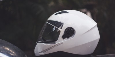 Bulleteers review the Studds Shiifter helmet, a great budget full face helmet.