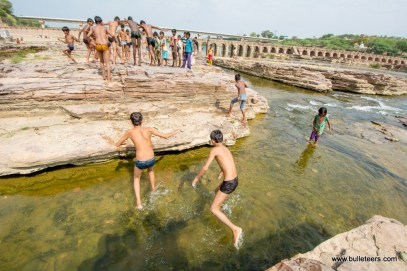 seondha-kanhargarh-bulleteers-9958