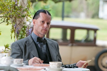GUY PEARCE stars in LAWLESS