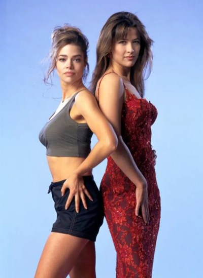 THE WORLD IS NOT ENOUGH, Denise Richards, Sophie Marceau, 1999, (c) United Artists