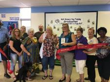 mutt-manners-ribbon-cutting