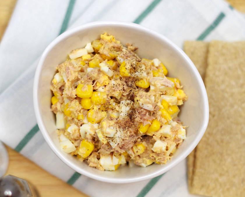 Salatka Z Tunczykiem I Kukurydza Bullio
