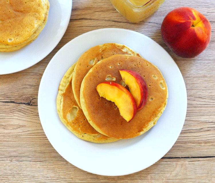 Pancakes bananowo-brzoskwiniowe 3