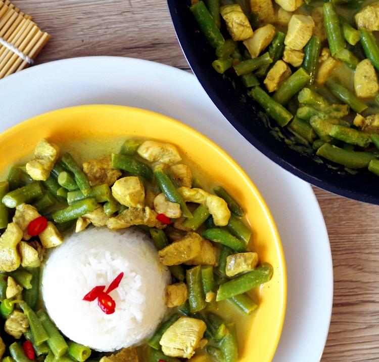 Zielone curry z kurczakiem i fasolką 3