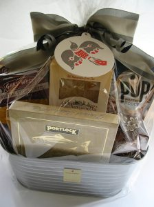 bumbleBdesign's Pacific NW Holiday Basket
