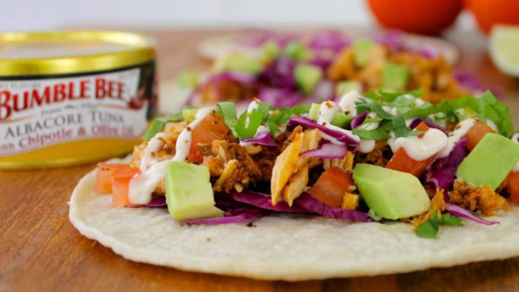 Five-Minute Skinny Spicy Tuna Tacos