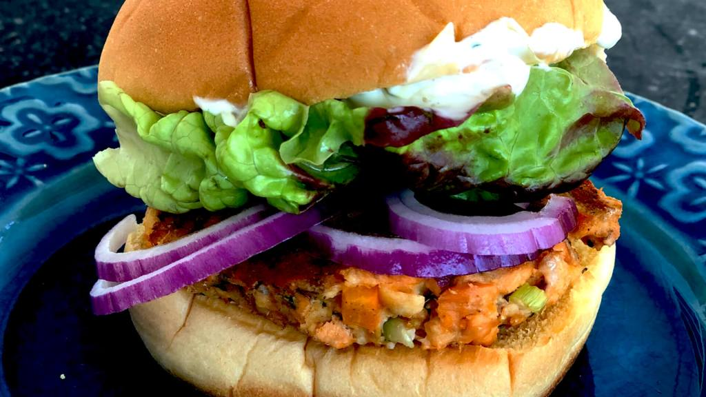 Salmon Burger with Artichoke Aioli