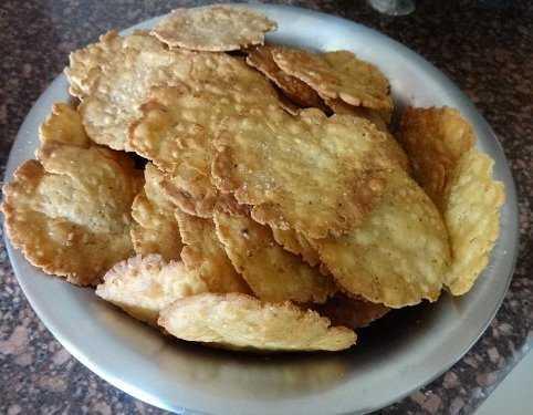 Sookha Puri