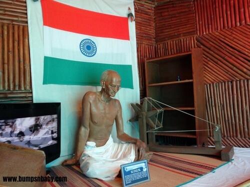DIY Mahatma Gandhi Charkha – A Way To Introduce Gandhi To