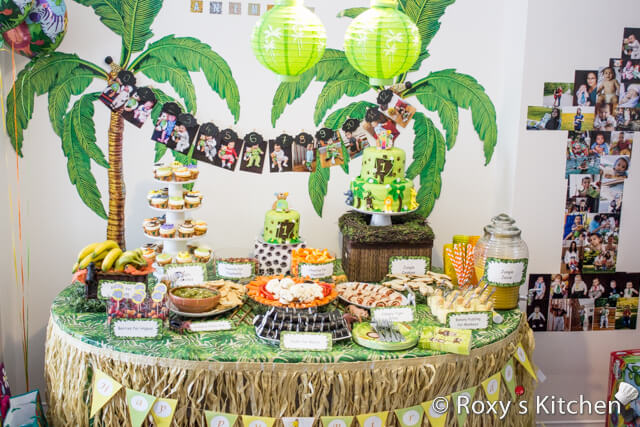 This Is A Fun Theme For Kids From 1 6 Year Old Go With Green Table Clothes And Animal Masks The Walls You Can Also Have Photo Booth