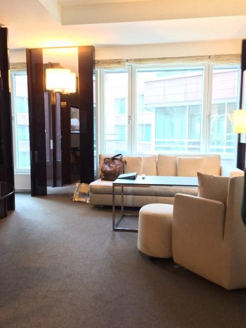Wohnzimmer Grand Hyatt Berlin