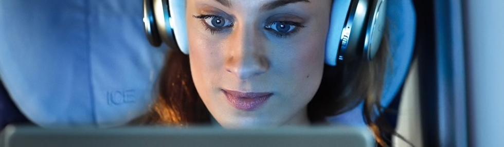 deutsche bahn db maxdome onboard wifiimice ice-portal wifi im ice zug internet streaming streamen
