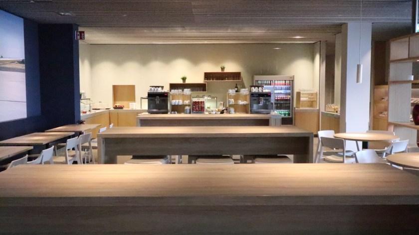 hugo junkers lounge dus düsseldorf airport flughafen nrw 2019 buffet