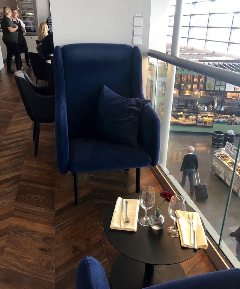 Review American Express Centurion Lounge by Pontus Stockholm Arlanda ARN amex lounge platinum erfahrung sessel galerie