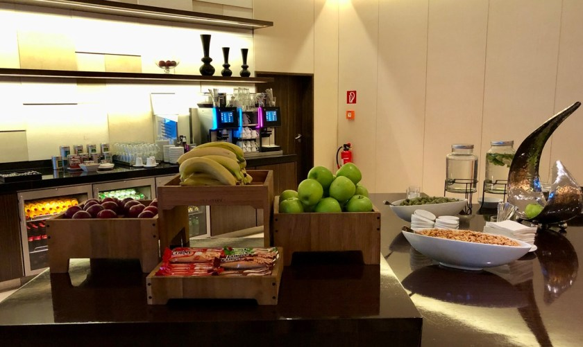 Hilton Berlin Gendarmenmarkt executive lounge club lounge deutscher dom hilton Honors obst