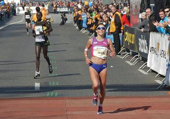"""Lauffloh """"Mocki"""" im Aufwind – 2017 tickt das Siegerländer  Laufuhrwerk wieder mit schnellen Beinen"""