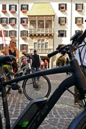 Sightseeing: Der Besuch des goldenen Dachels in Innsbruck ist Pflicht.