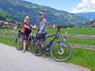 Berg und Tal: Mit einem guten E-Bike ist das absolut kein Problem.