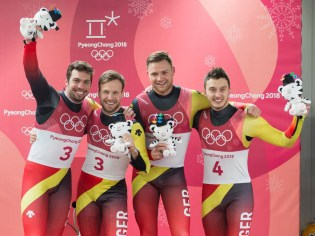 Freude über Gold und Bronze: Tobias Wendl mit Tobias Arlt und Toni Eggert mit Sascha Benecken.