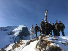Gipfelfoto auf dem Bernadeinkopf (2.143 Meter) unterhalb der Alpspitze.