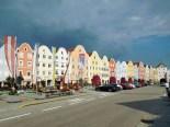 Bunter Start zur Tour: Die farbigen Fassaden der Barockstadt Schärding.