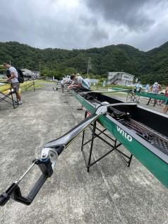 Für zwei Tage mussten die Boote in der Halle bleiben. Wegen eines Unwetters ging es auf die Ergometer.
