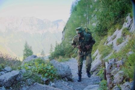 Hochgebirgsjägerzug der Struber Jager – Soldaten stellen sich der Aufnahmeprüfung