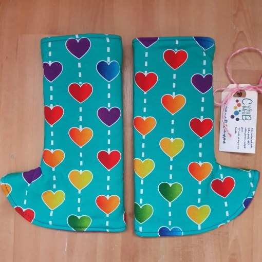 Rainbow hearts on curved suck pads