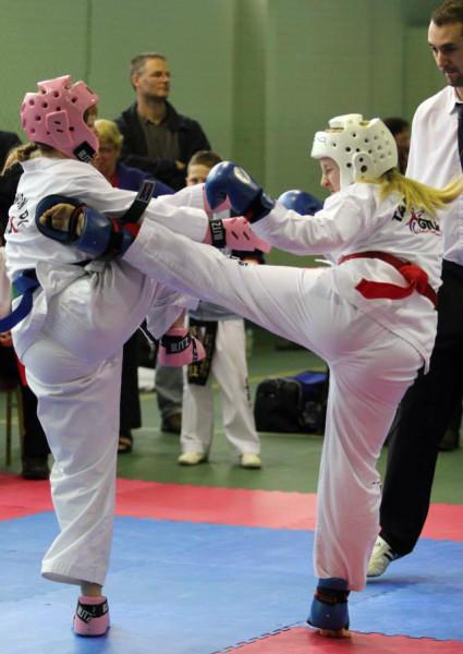 Eleanor sparring
