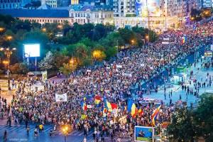 2013 A 15-a Zi Consecutivă De Proteste La București